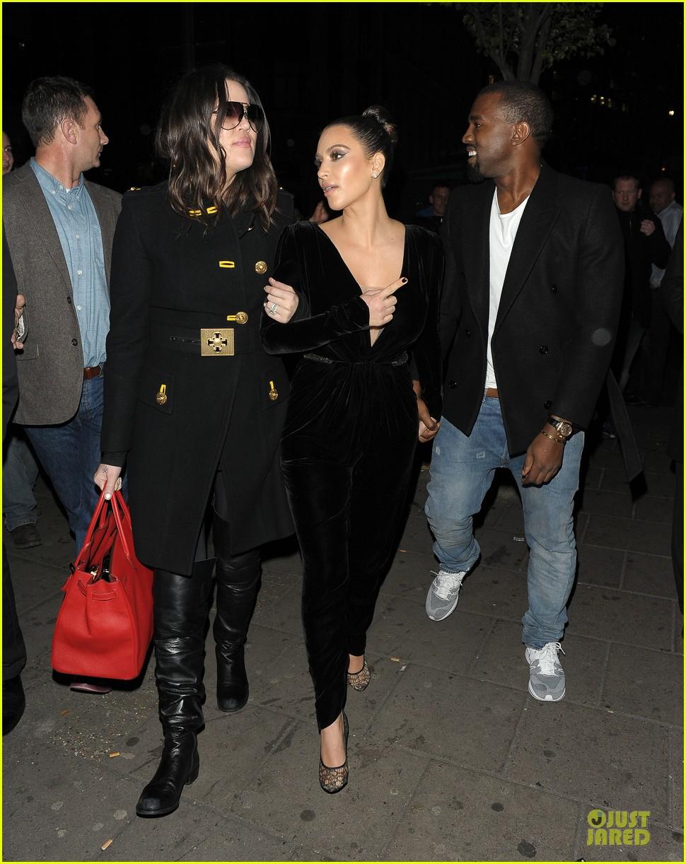 Kim Kardashian & Kanye West: Dinner Date with Sisters!