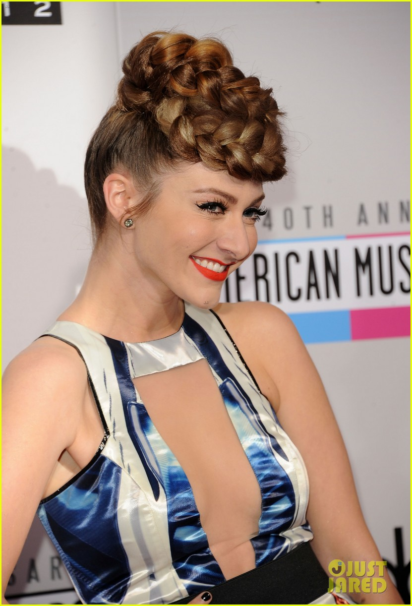 karmin amas 2012 red carpet 02