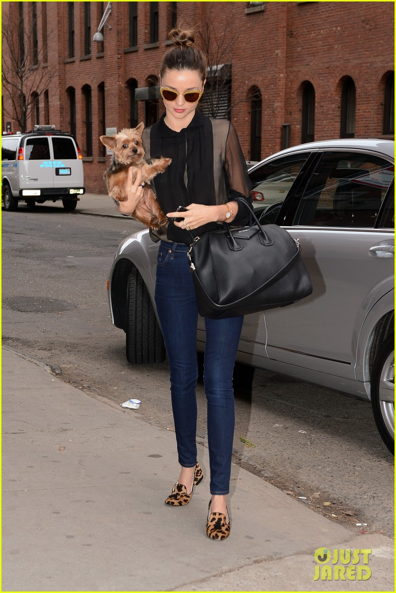 miranda kerr sunday morning with frankie 03