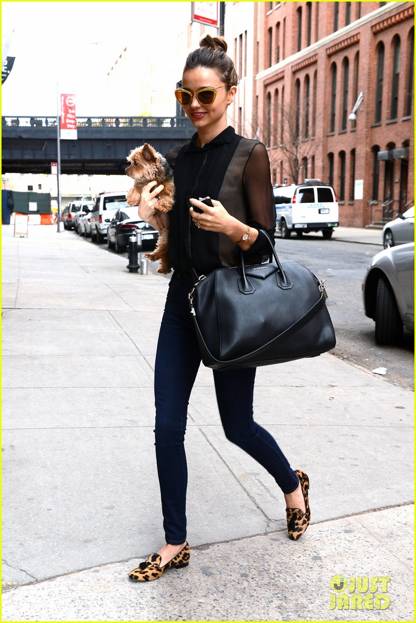 miranda kerr sunday morning with frankie 16