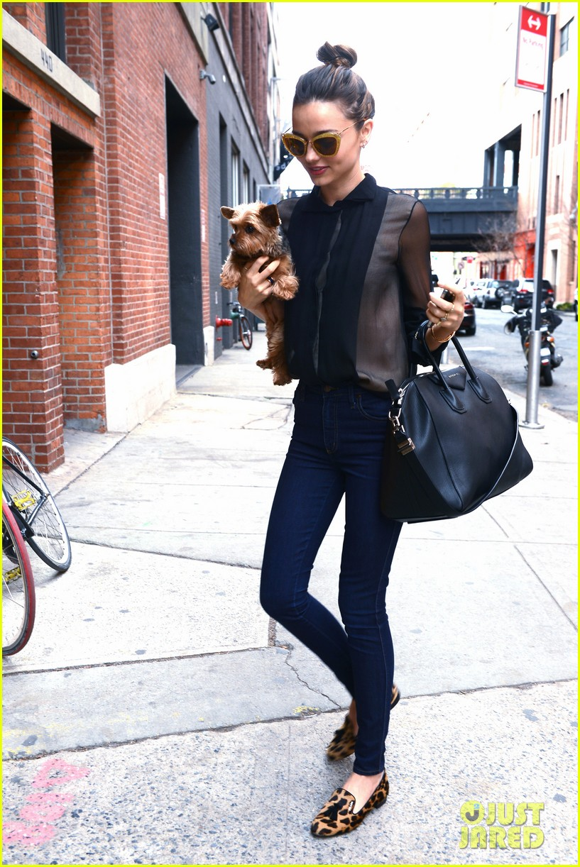 miranda kerr sunday morning with frankie 17