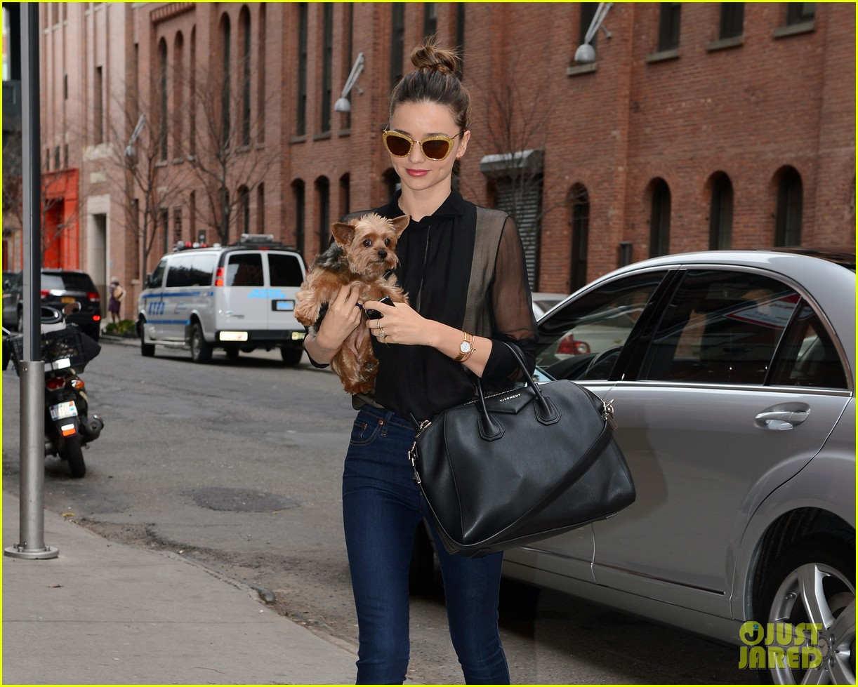 miranda kerr sunday morning with frankie 24
