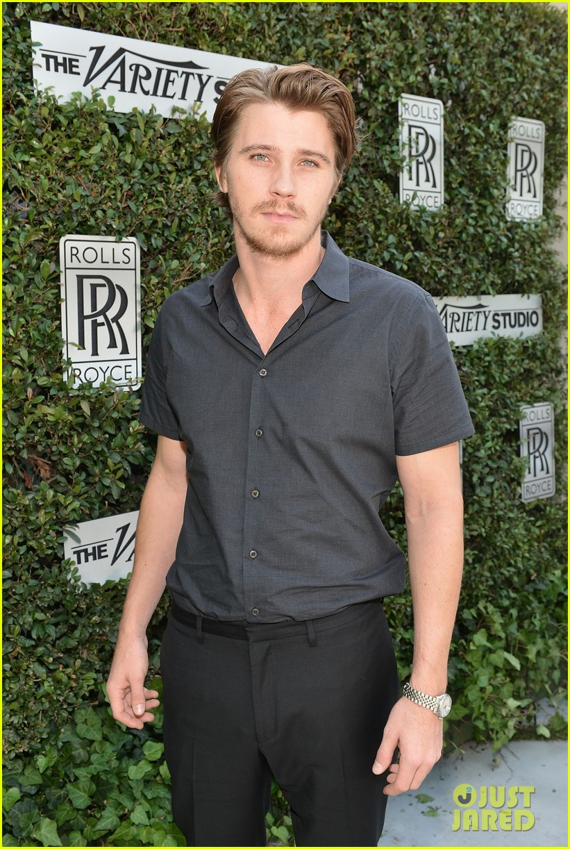 kerry washington garrett hedlund variety studio 07