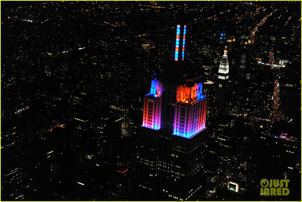 alicia keys lights the empire state building 06