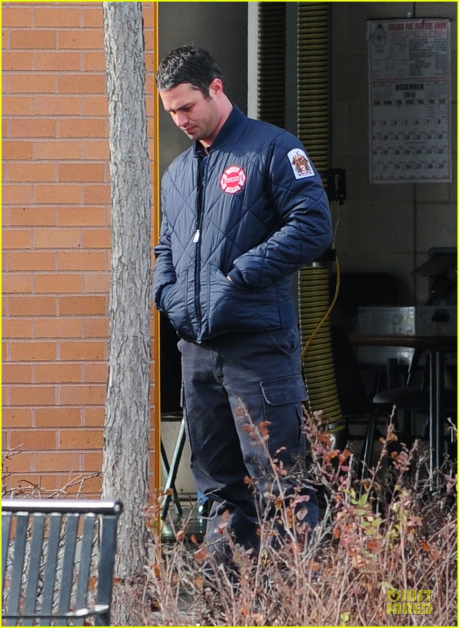 taylor kinney jesse spencer chicago fire set 012765031