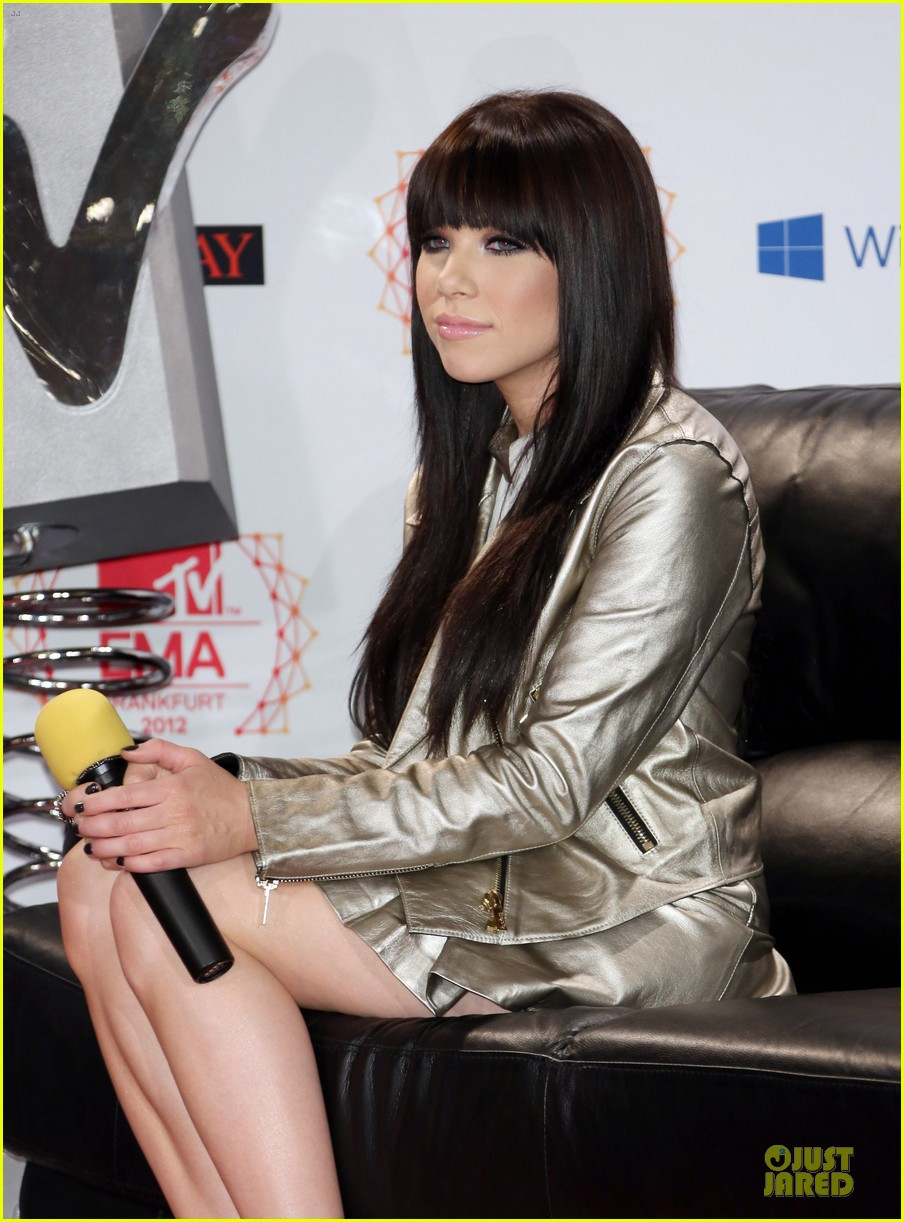 heidi klum carly rae jepsen mtv emas photo call 042754559