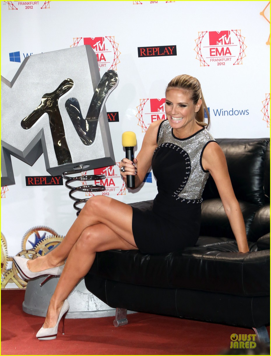 heidi klum carly rae jepsen mtv emas photo call 11