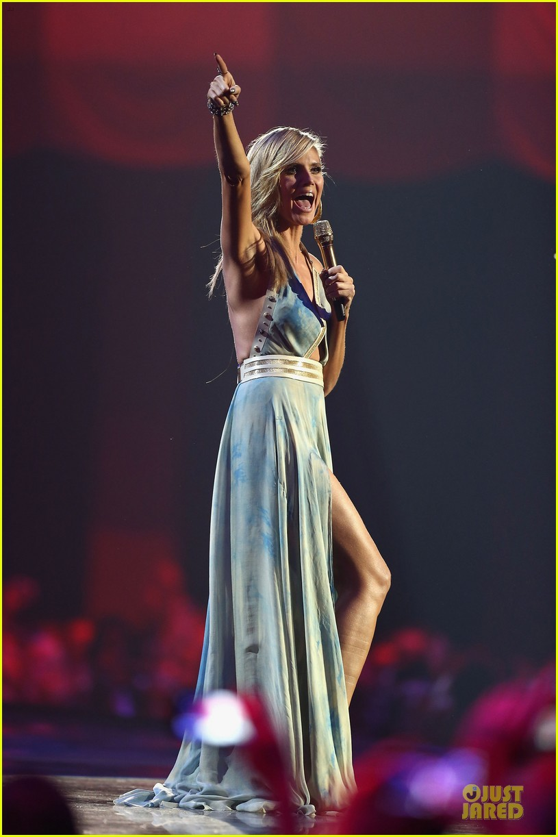 heidi klum mtv emas hosting duties 212755507