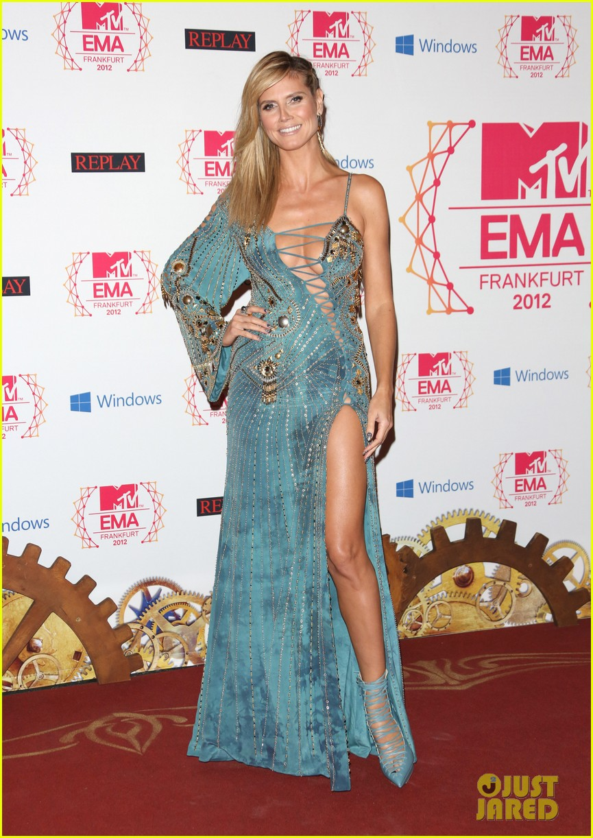 heidi klum mtv emas 2012 red carpet 02