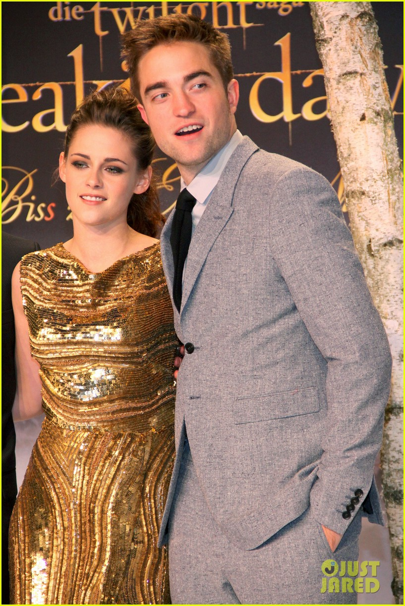 kristen stewart robert pattinson breaking dawn berlin premiere 102759025