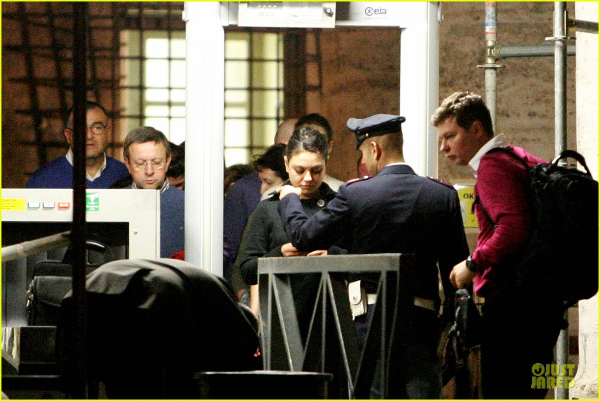 mila kunis teeth cleaning on third person set 12