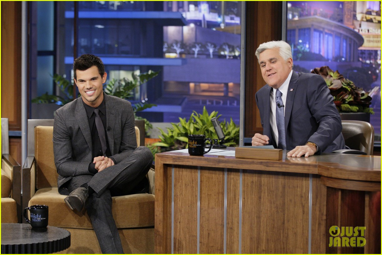taylor lautner tonight show appearance 02