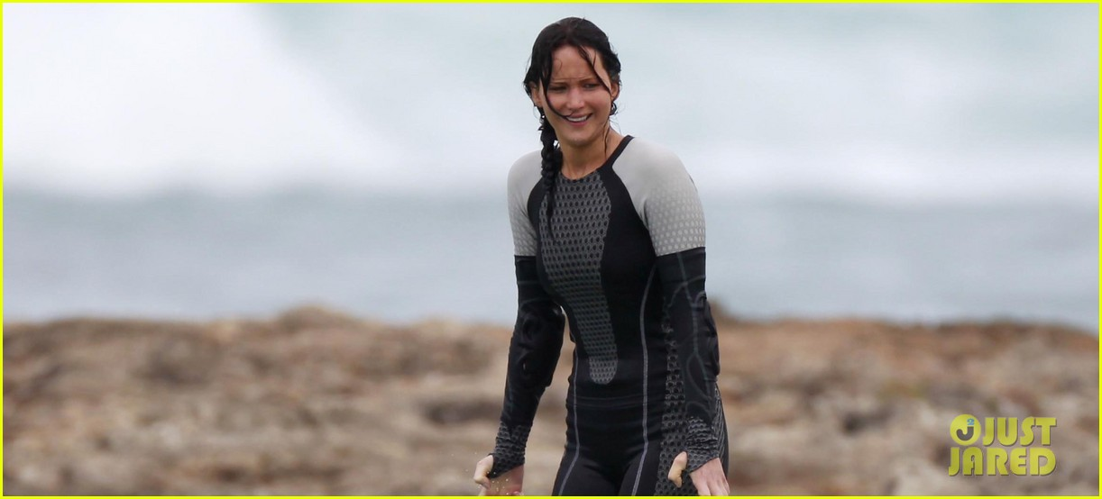 jennifer lawrence hunger games in hawaii 022764420