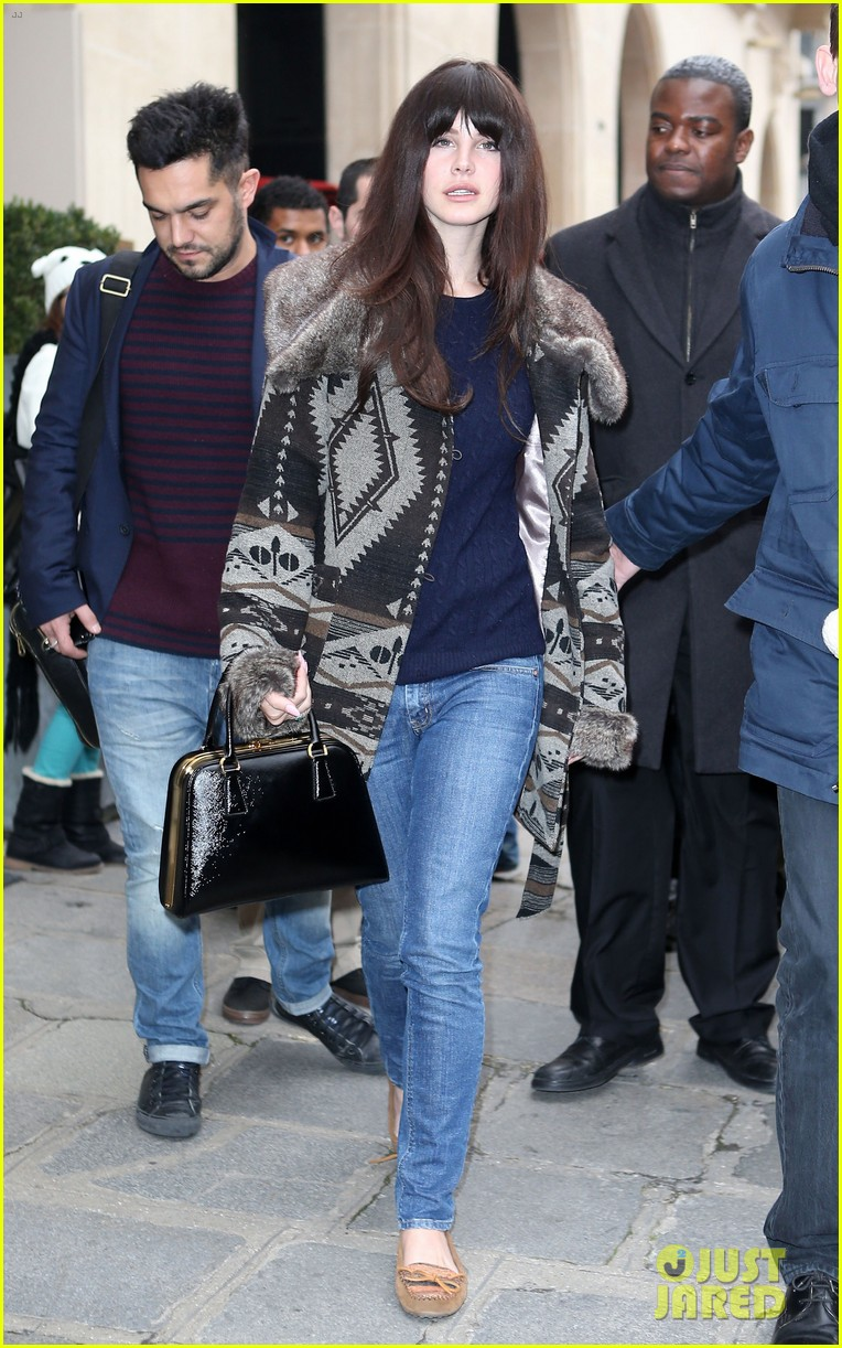 lana del rey scotts restaurant with barrie james oneill 10