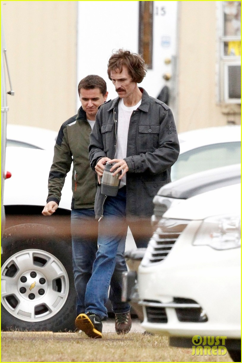 matthew mcconaughey bloody mustache on set 06