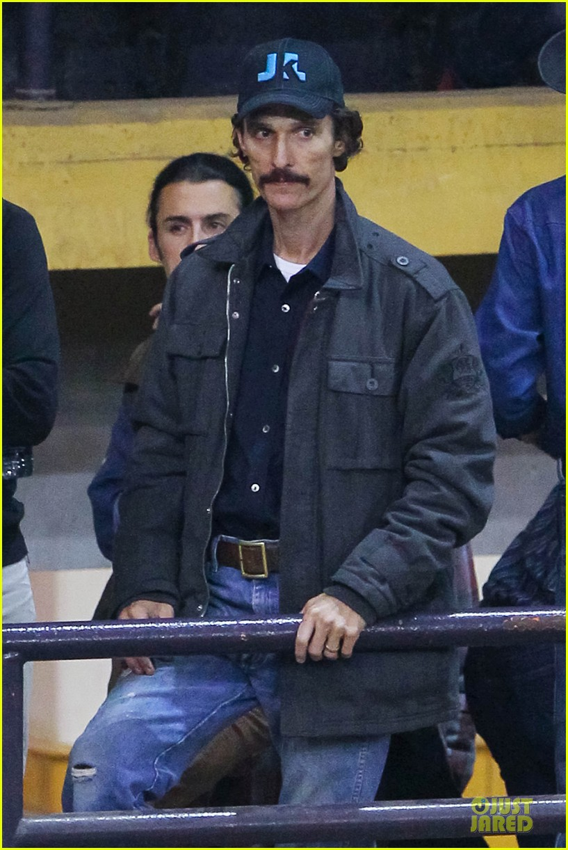matthew mcconaughey wants a cheeseburger after dallas buyers club wraps 04