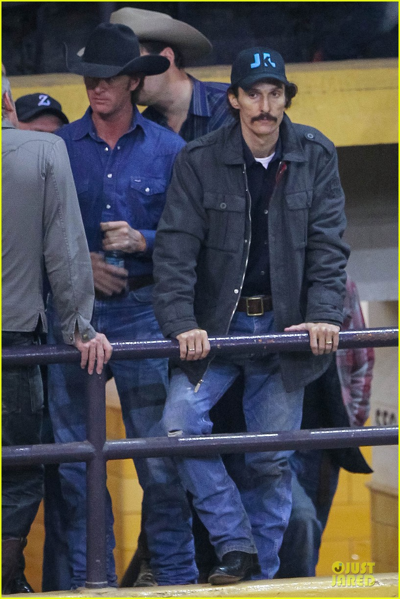 matthew mcconaughey wants a cheeseburger after dallas buyers club wraps 06
