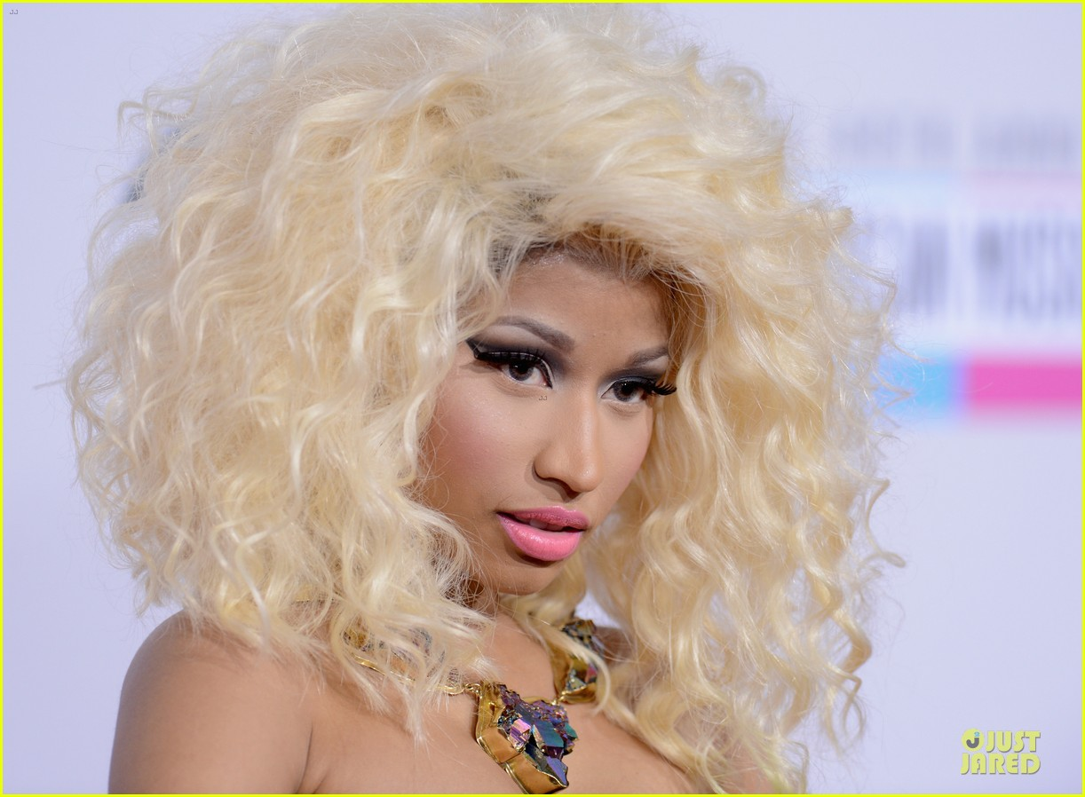 nicki minaj wins favorite rap hip hop album at amas 07
