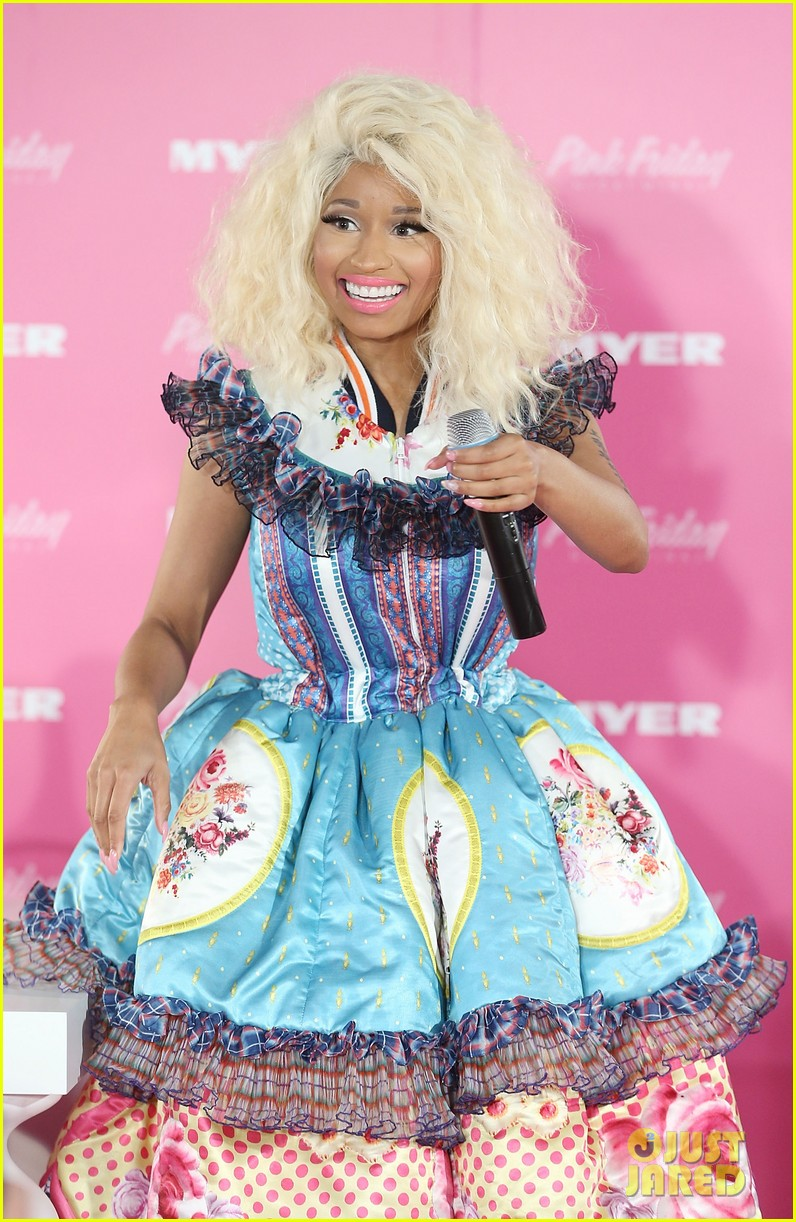 nicki minaj aria awards 2012 red carpet 10