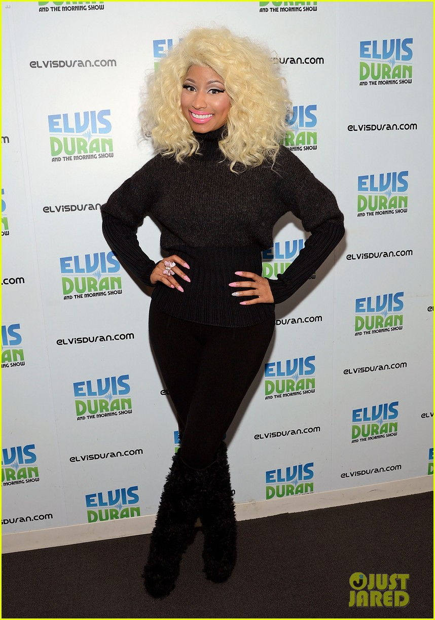 nicki minaj shut out of own album release party 01