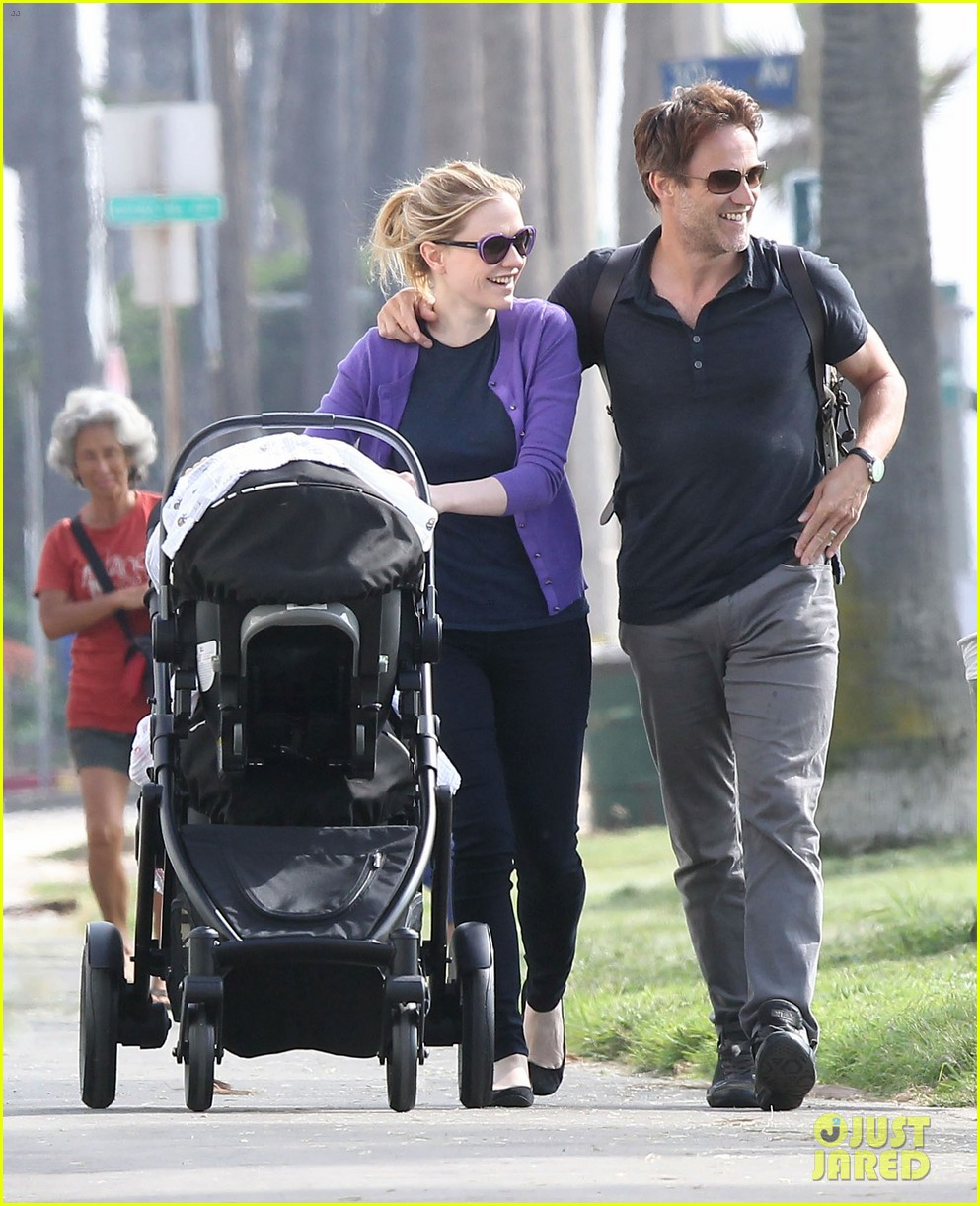anna paquin stephen moyer park stroll with the twins 04