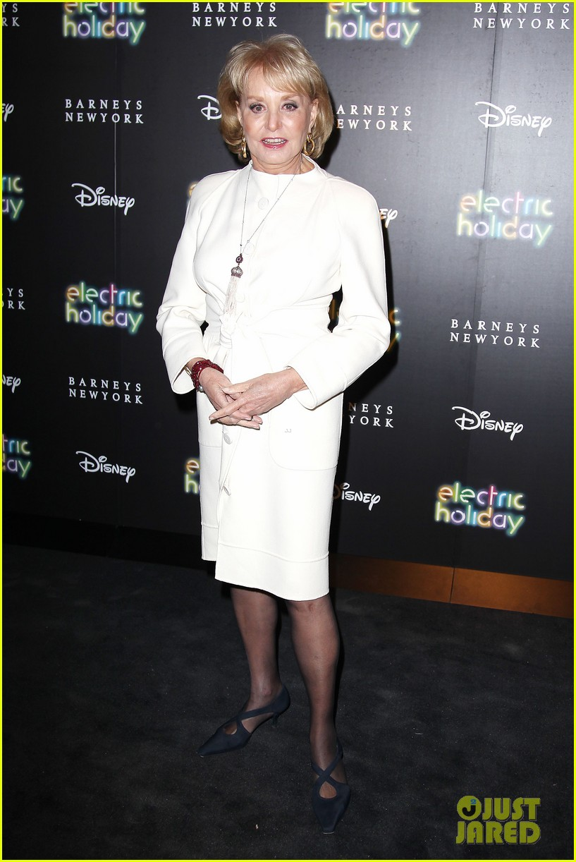 sarah jessica parker disney electric holiday window unveiling host 16
