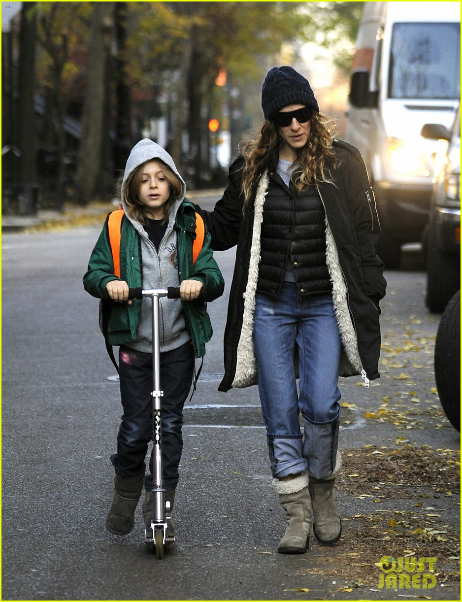 sarah jessica parker matthew broderick school stroll with kids 10