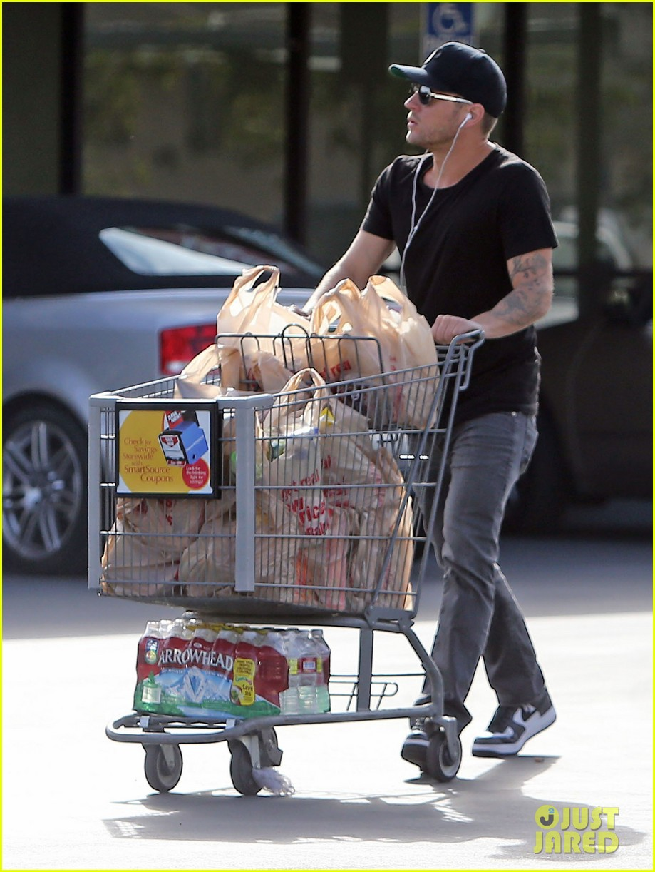 ryan phillippe new mystery blonde 03