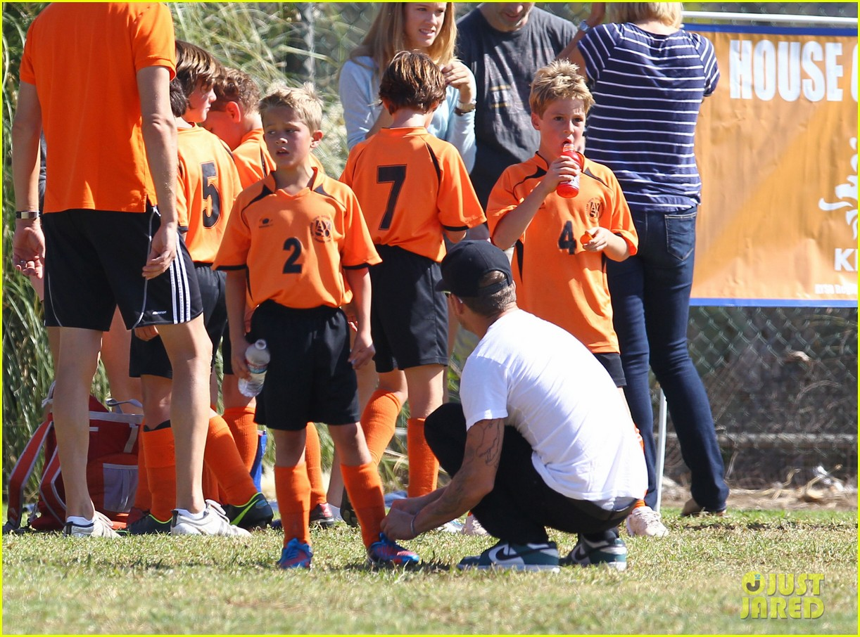 ryan phillippe deacons soccer game with paulina slagter 28