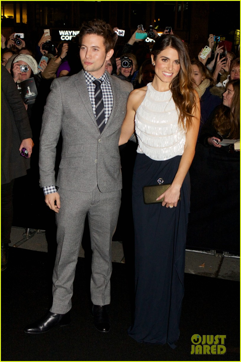 nikki reed jackson rathbone breaking dawn norway premiere 10