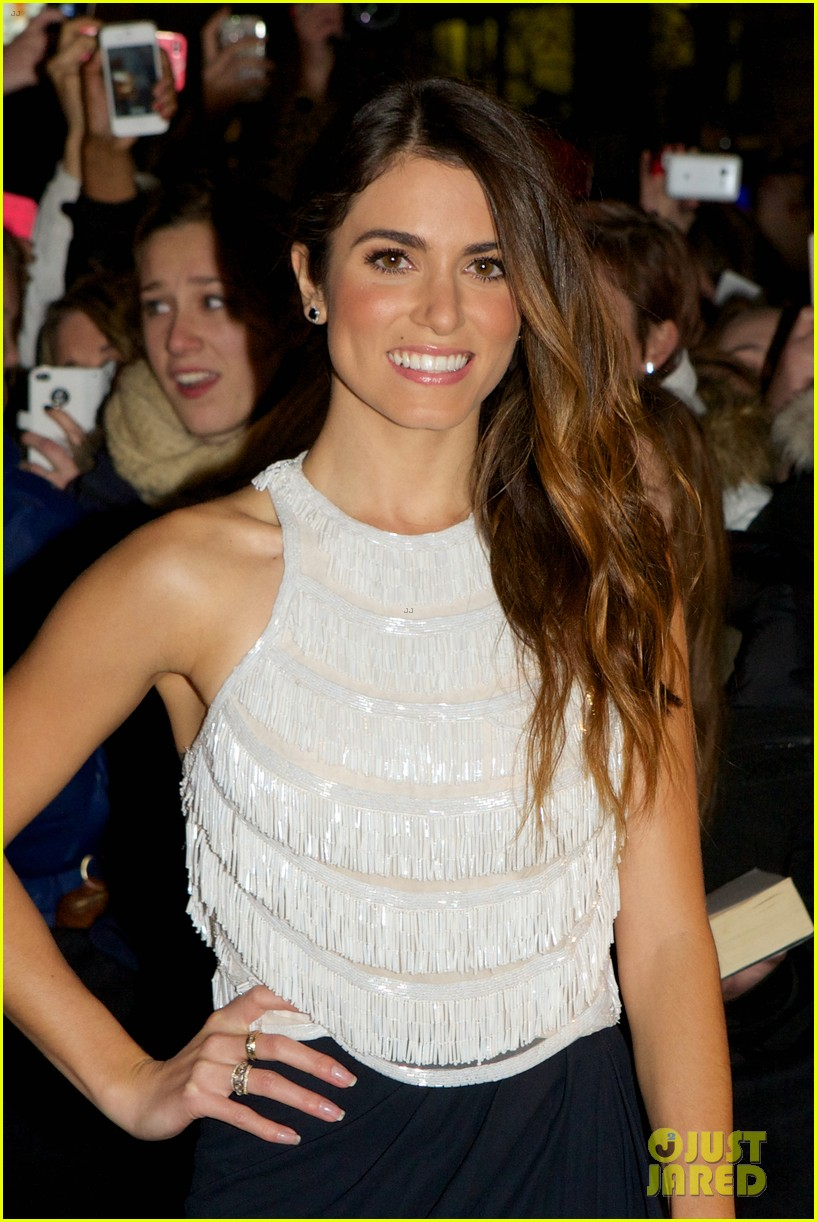nikki reed jackson rathbone breaking dawn norway premiere 15