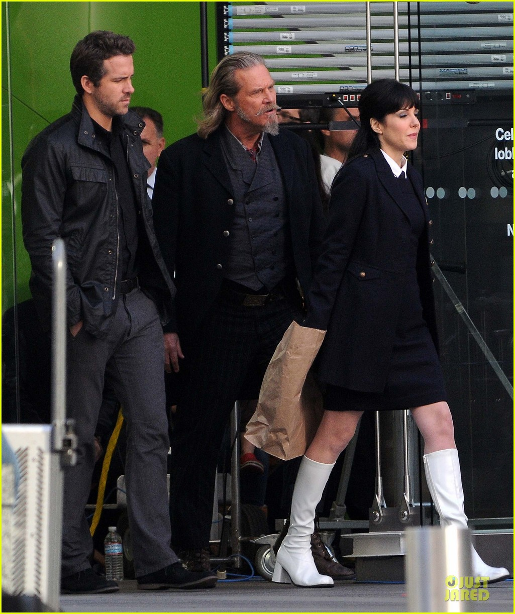 ryan reynolds ripd reshoots with mary louise parker 17