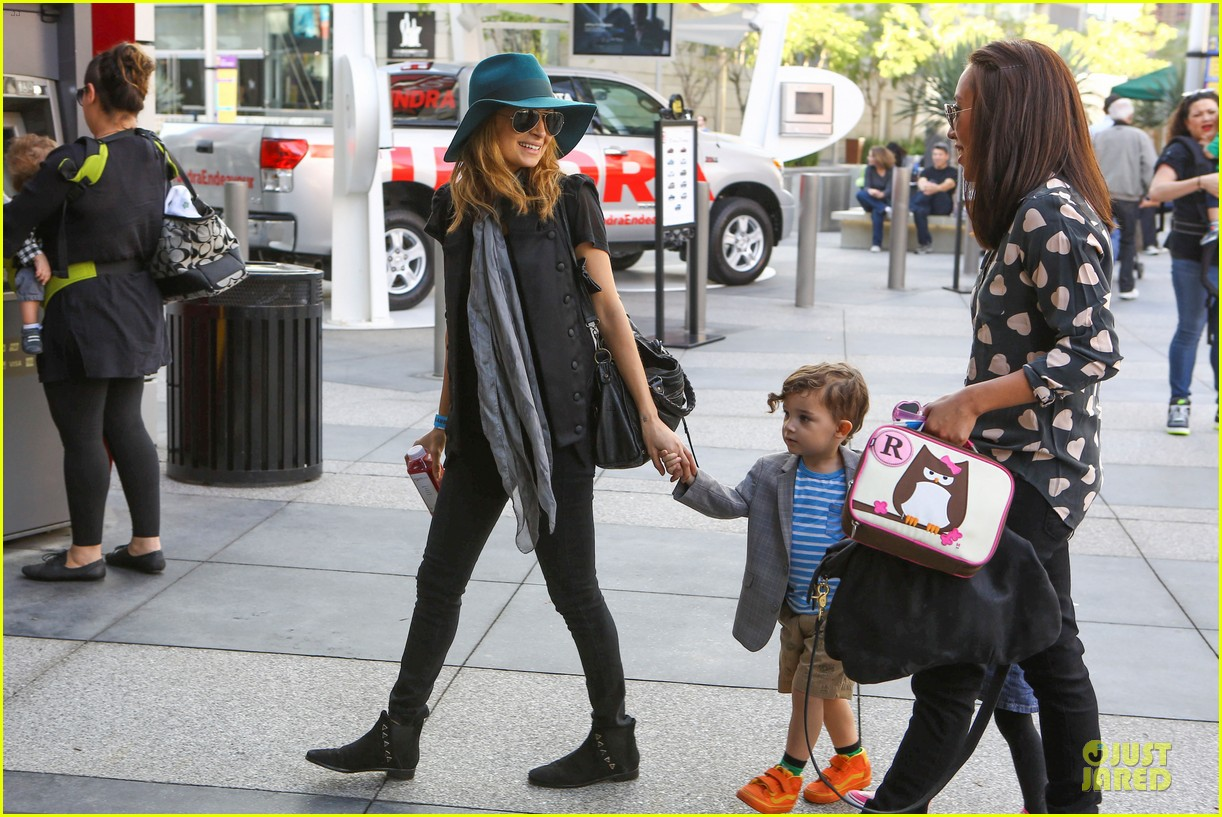 nicole richie joel madden yo gabba gabba show with the kids 17