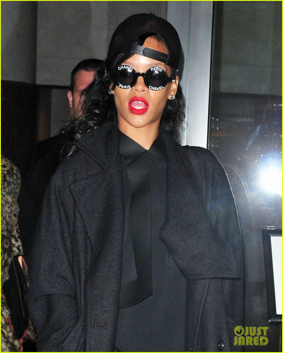 rihanna saturday night live performances watch now 05