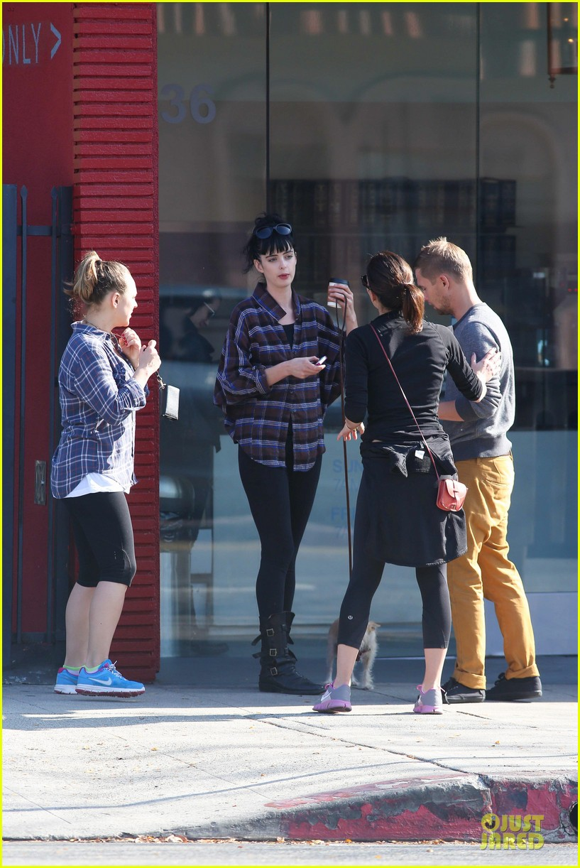 krysten ritter brian geraghty sunday breakfast in silverlake 072764025