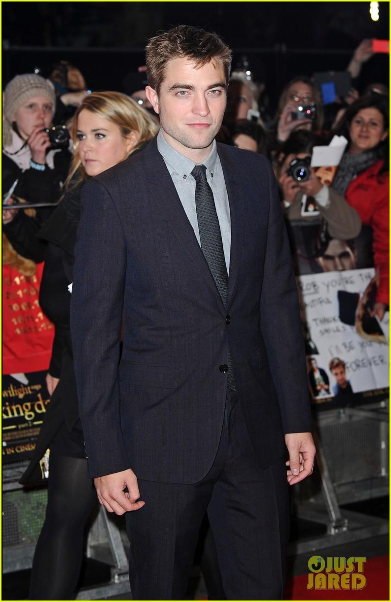 robert pattinson kristen stewart twilight breaking dawn part 2 uk premiere 07