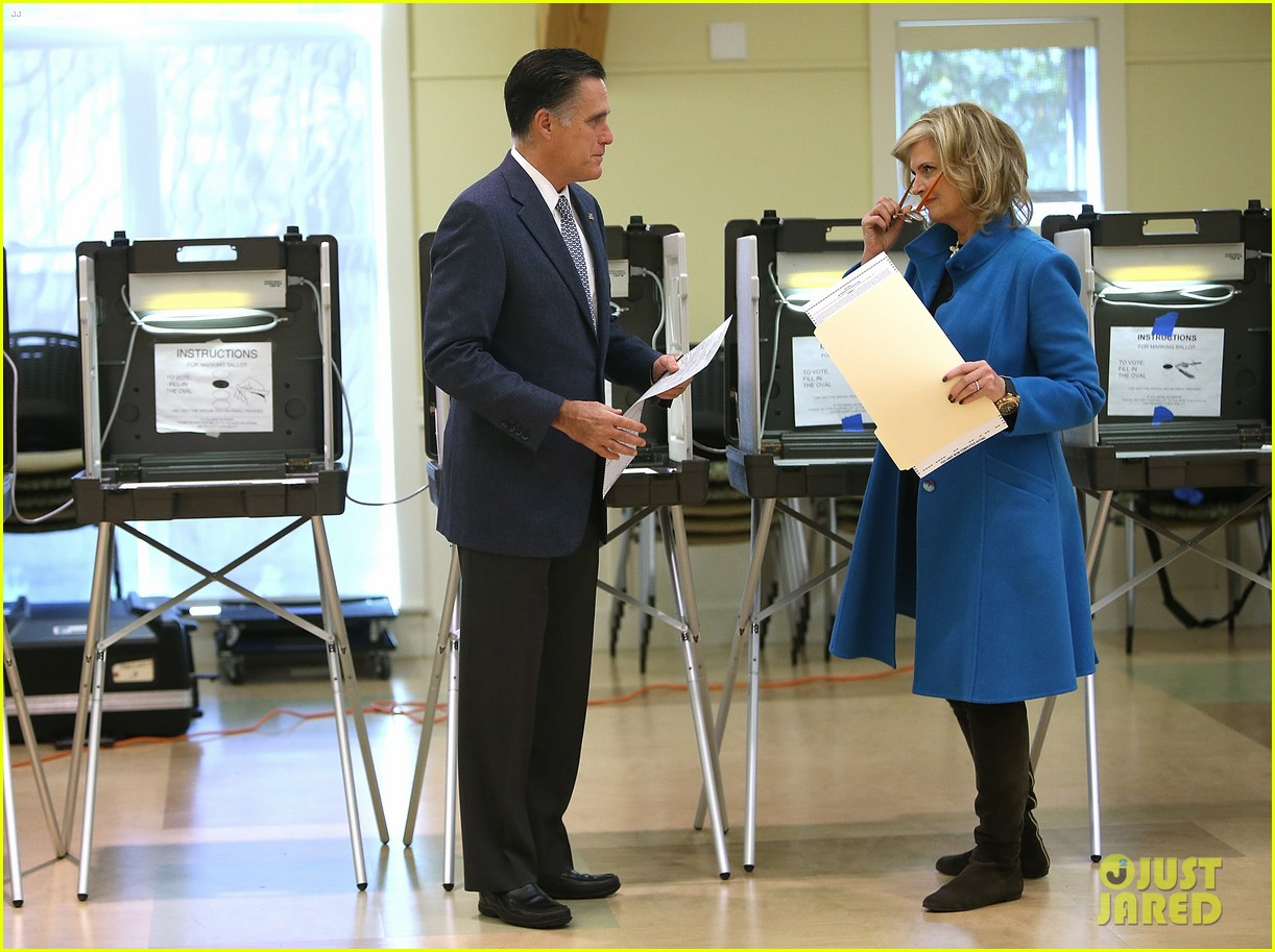 mitt romney votes for presidency in massachusetts pics 08
