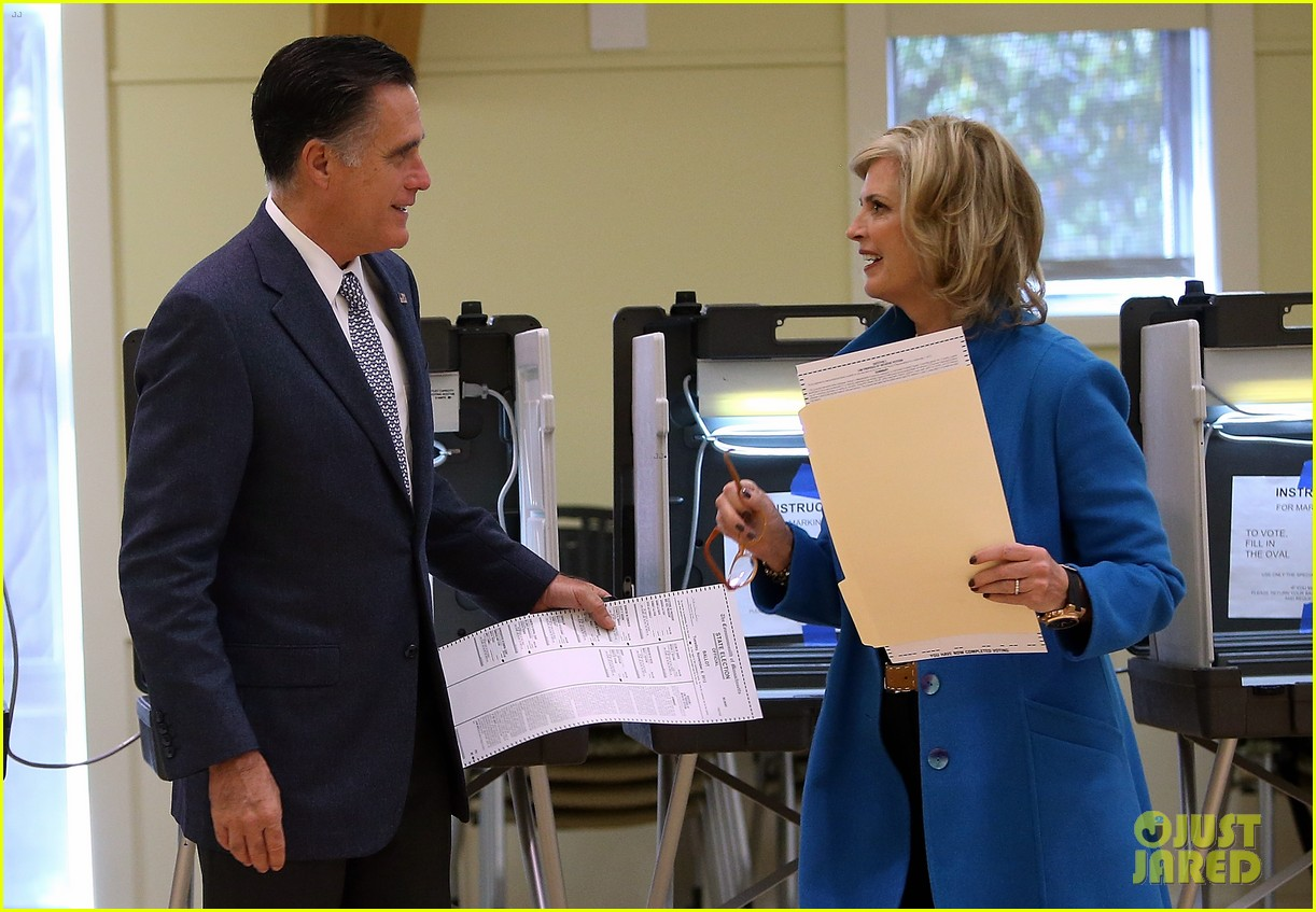 mitt romney votes for presidency in massachusetts pics 13