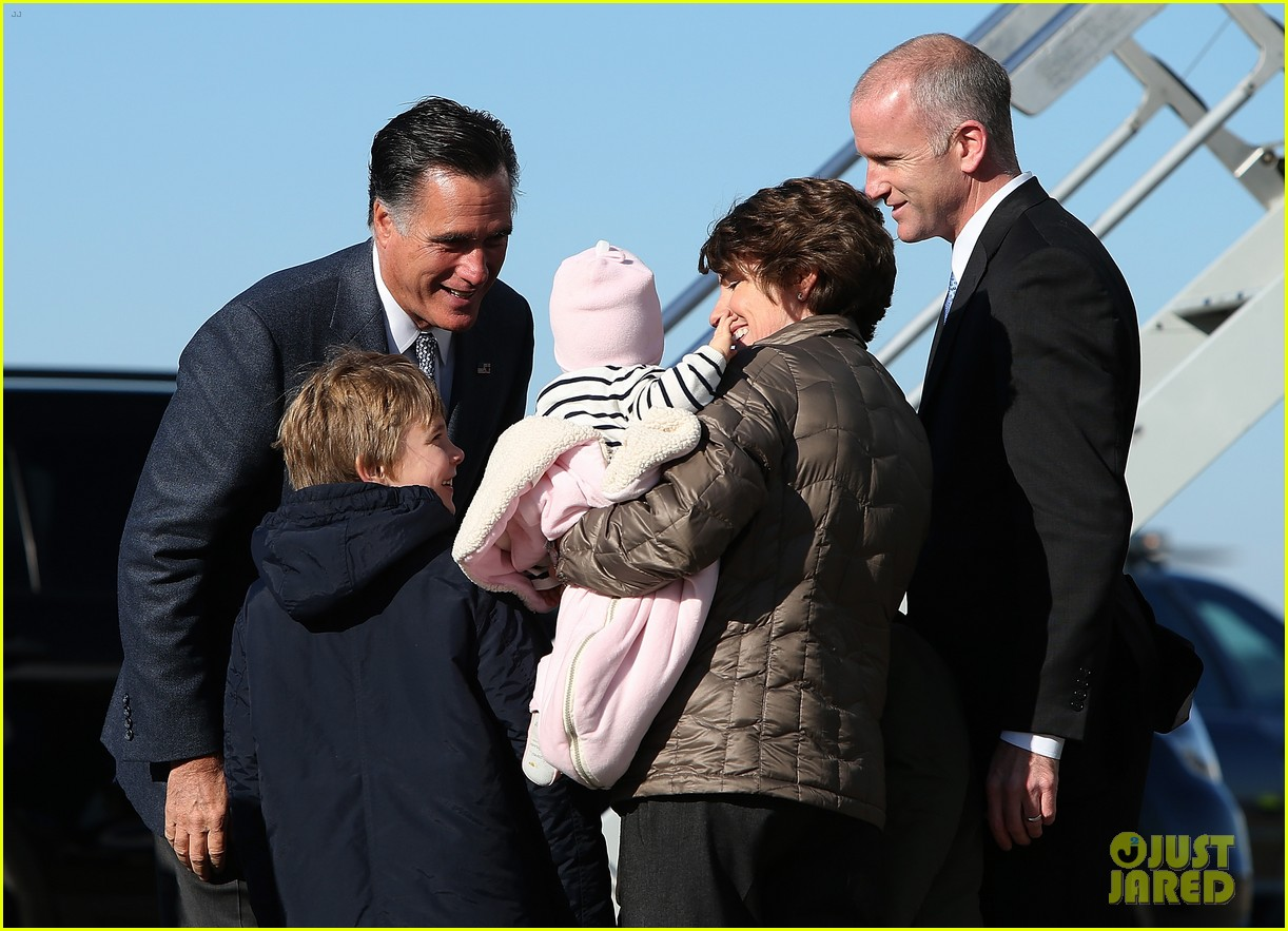 mitt romney votes for presidency in massachusetts pics 15