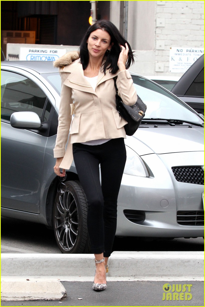 liberty ross retail therapy in beverly hills 06
