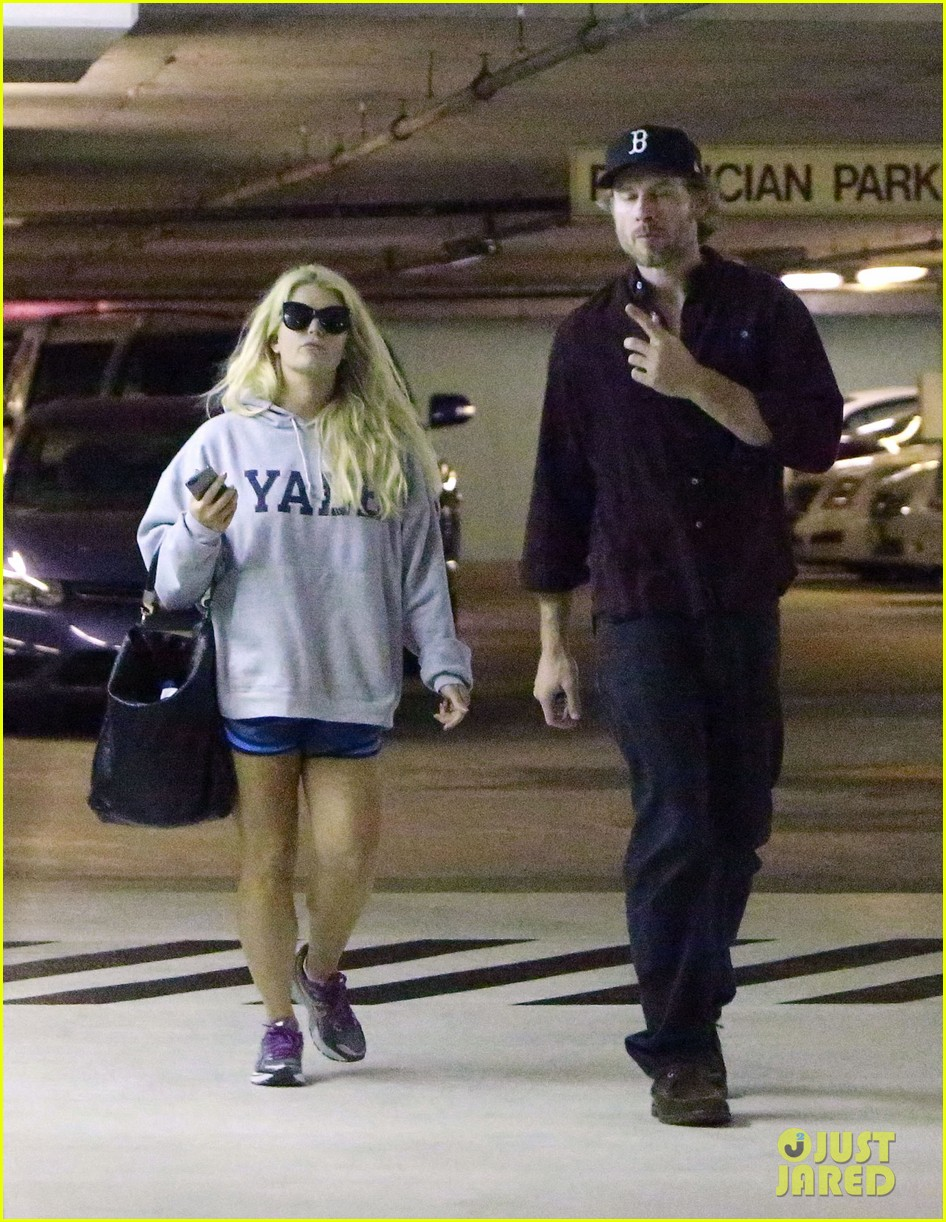 jessica simpson eric johnson hold hands in beverly hills 012754278