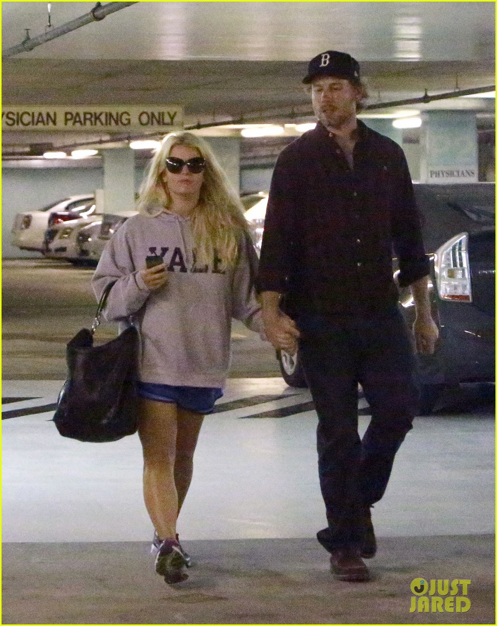 jessica simpson eric johnson hold hands in beverly hills 06