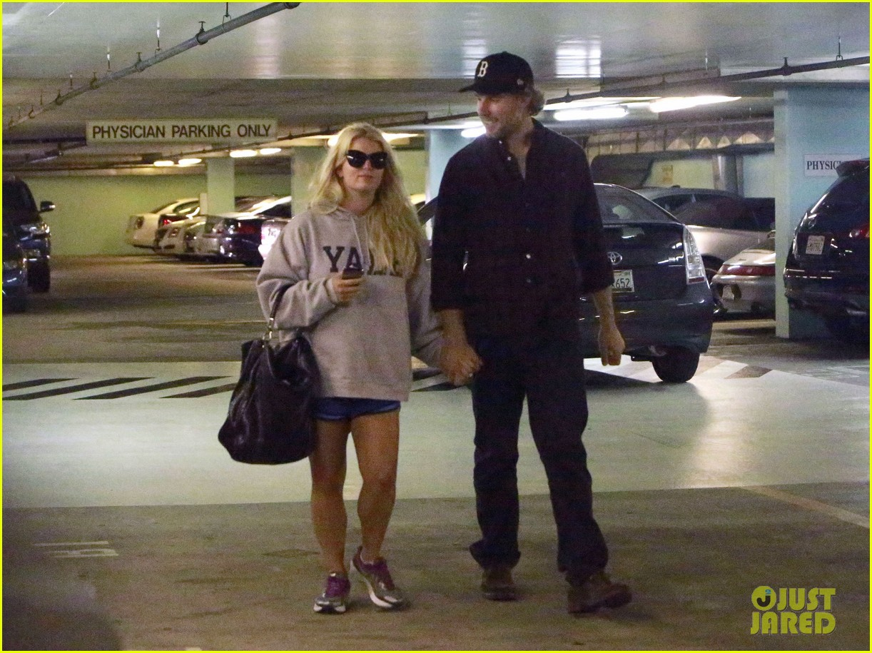 jessica simpson eric johnson hold hands in beverly hills 09
