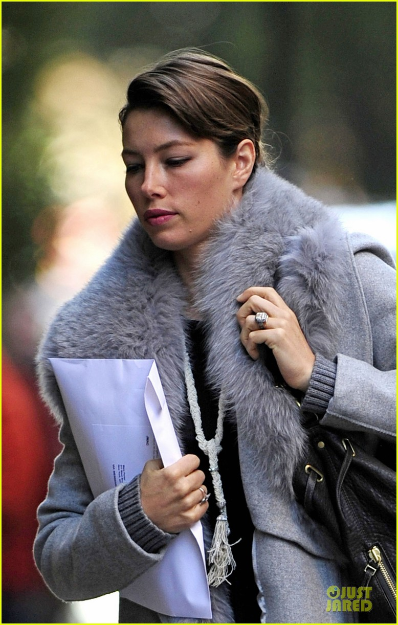 jessica biel post honeymoon smile in new york city 042754372