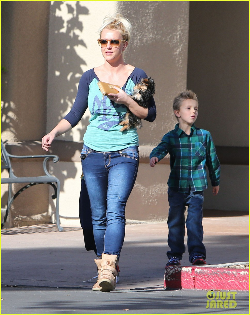 britney spears coffee bean with sean preston jayden james 142760648