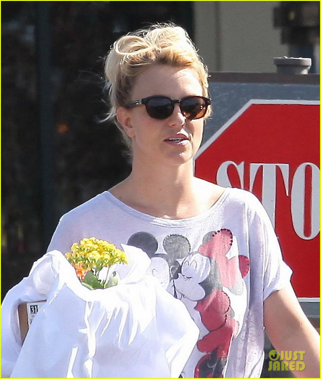 britney spears fast food flower shopping 03