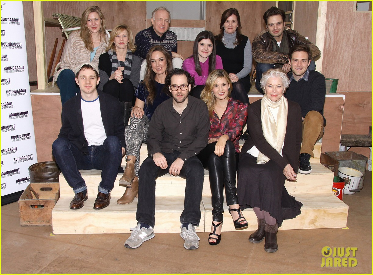 sebastian stan maggie grace picnic photo call 12