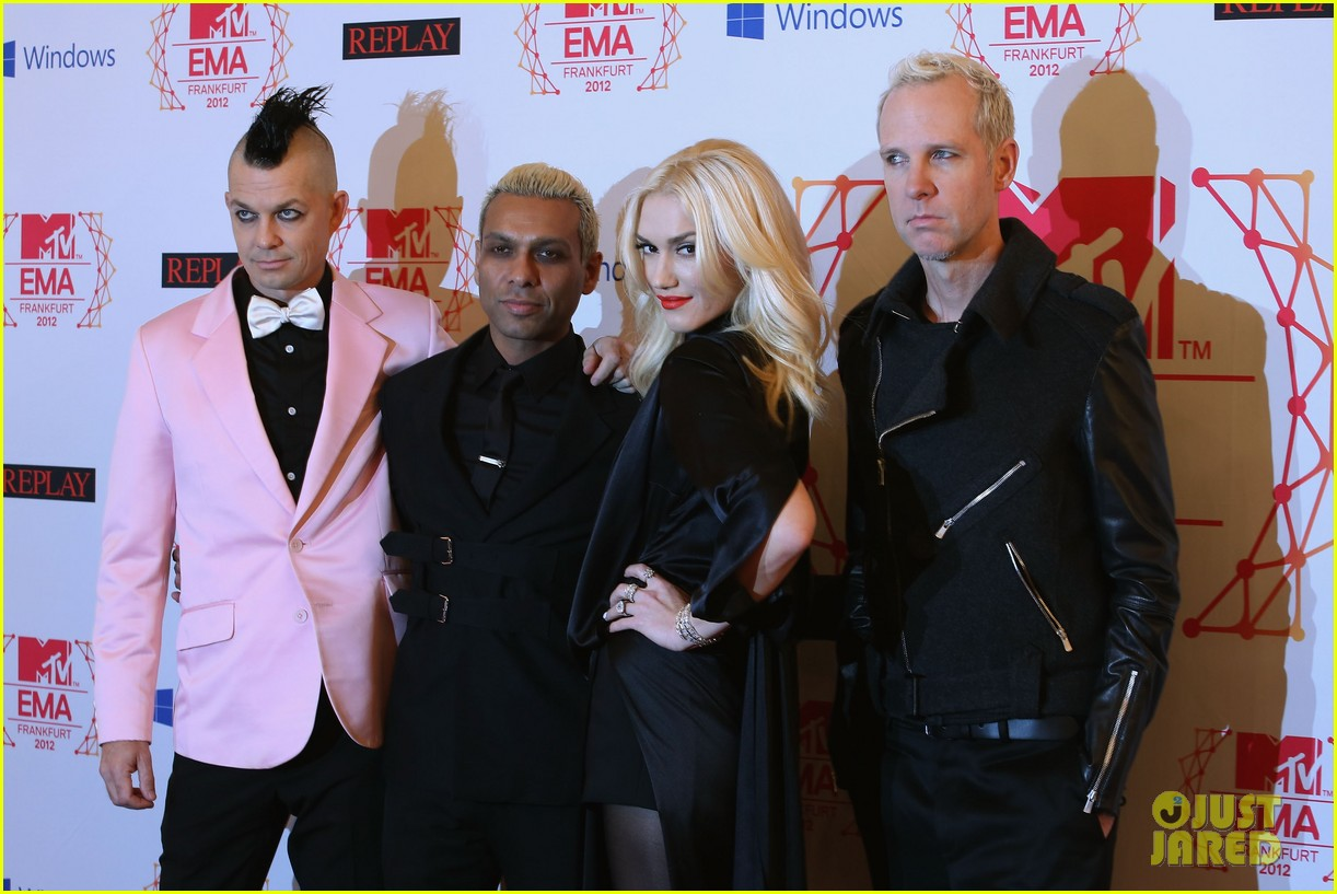 gwen stefani no doubt mtv emas 2012 red carpet 02