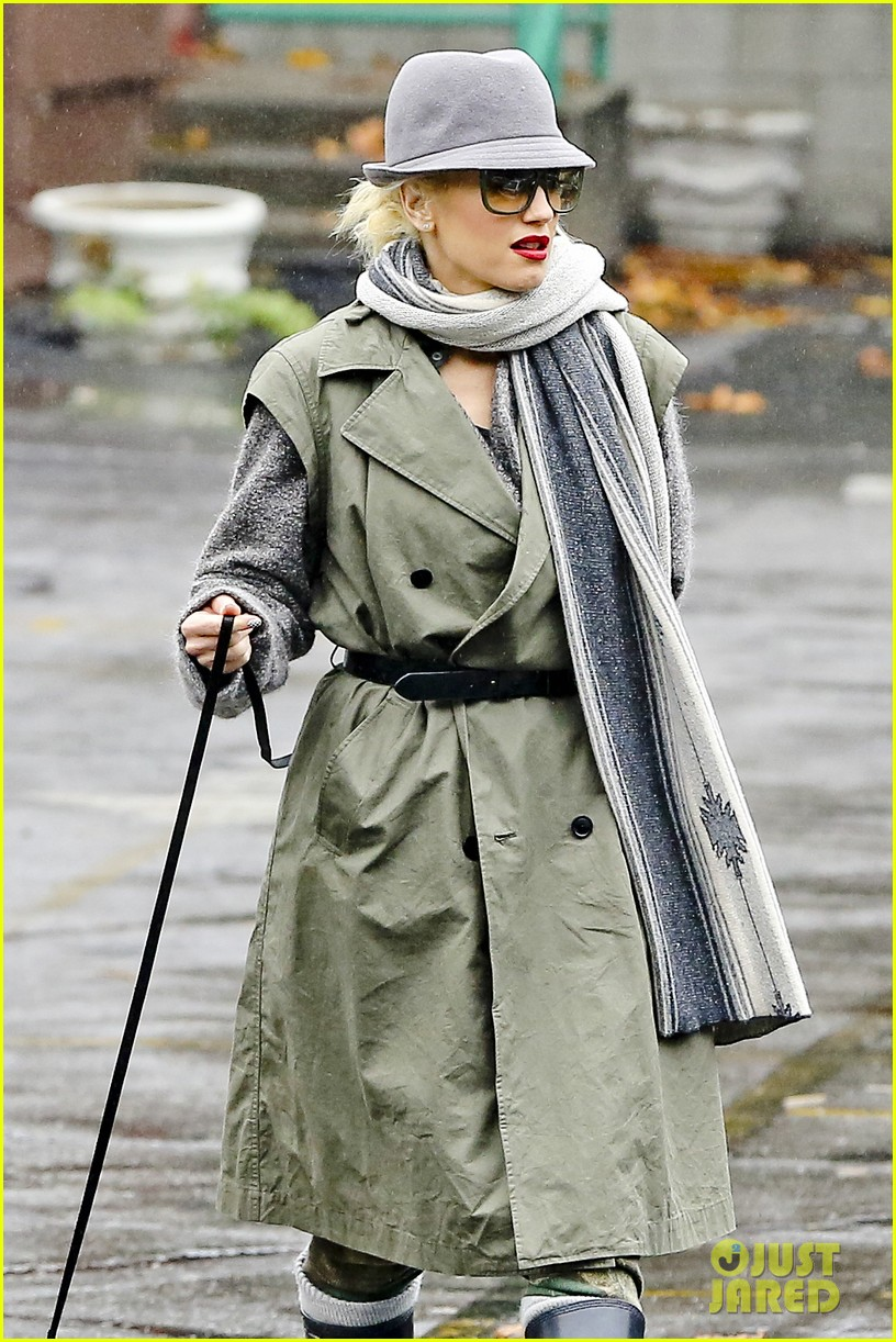 gwen stefani rainy family day 21