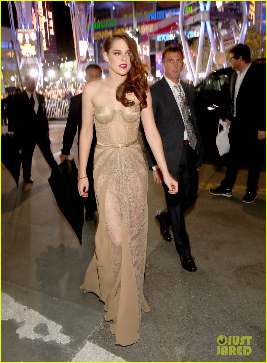 kristen stewart robert pattinson twilight breaking dawn part 2 premiere 14